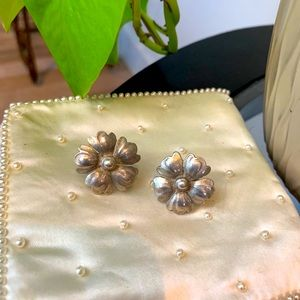 ♻️🌿Vintage | 1930s-1940s Sterling Flower Earrings
